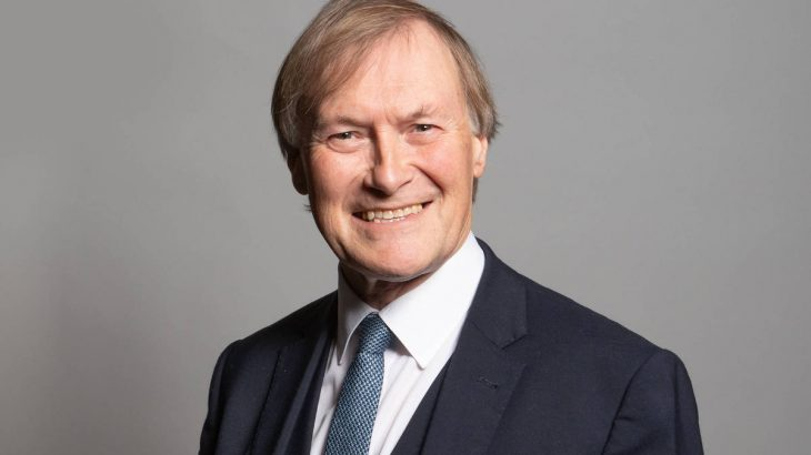 David Amess, membro do Parlamento britânico, foi esfaqueado e morto durante reunião com eleitores em Essex, na Inglaterra (Divulgação/Parlamento do Reino Unido)