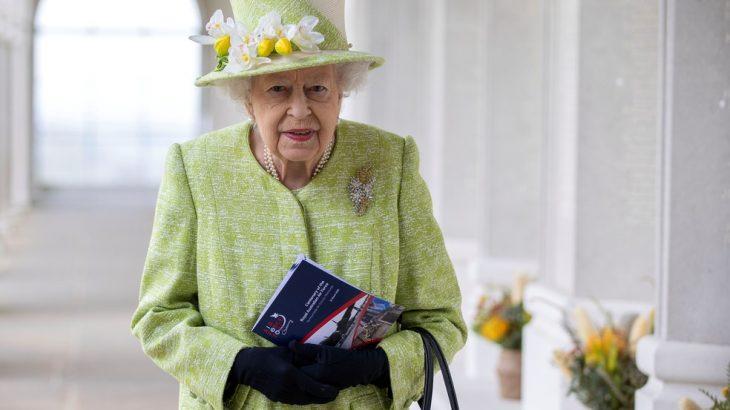 Ativistas ambientais querem que a rainha Elizabeth plante mais árvores em suas terras — Foto: Steve Reigate/Pool/Reuters