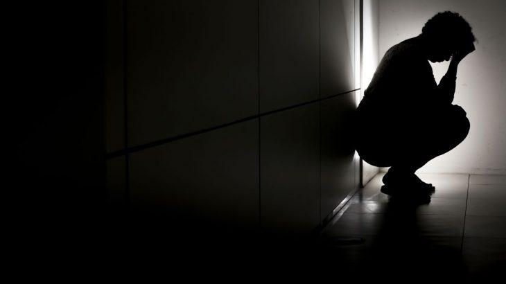 Silhueta retrata paciente com depressão. Foto: EBC/ Marcelo Camargo