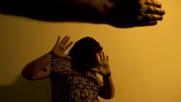 Registro representa mulher sendo agredida. (Divulgação/ EBC)