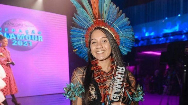 A indígena foi eleita pela atuação em ações pelo clima e em defesa dos povos amazônicos. (André Ligeiro/ Reprodução)
