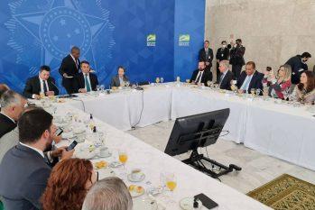 O presidente Jair Bolsonaro participa de café da manhã com membros da bancada ruralista (Daniel Reis/FPA/Divulgação)