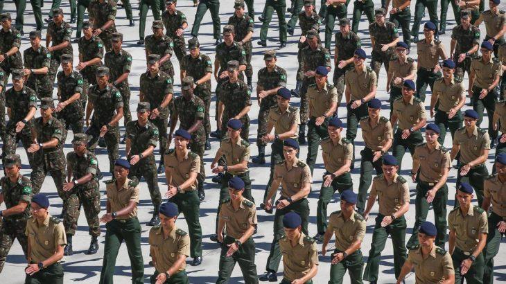 Oficiais do Exército na Academia Militar das Agulhas Negras, em Resende (Agência O Globo/Marcelo Régua)