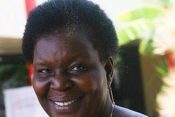 A escritora moçambicana Paula Chiziane, vencedora do Prêmio Camões (Divulgação)
